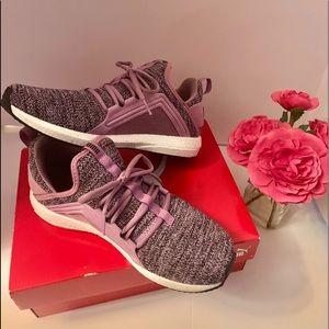 Puma woman's SOFT FOAM sneakers